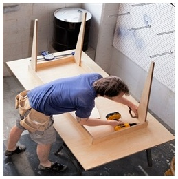 Сборка столов по низким ценам в Костроме от специалистов