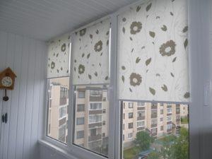 Установка рулонных штор на пластиковые окна в Костроме